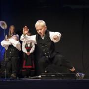 14 Lagdans junior - Småjondølenes dansarlag (halling) - Foto Runhild Heggem
